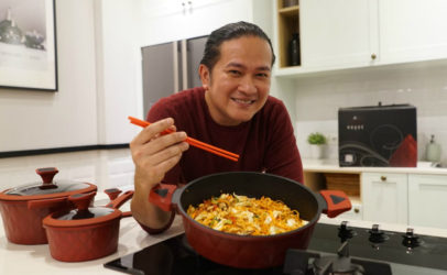 Hivos in the kitchen with popular Indonesian TV chefs